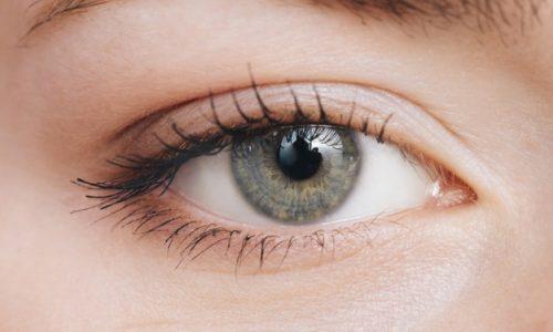 Zmarszczki okolicu oczu, kurze łapki