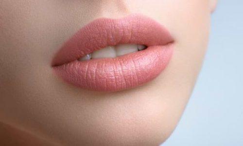 gorgeous-full-lips-beautiful-woman_7502-69